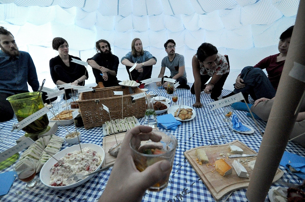 Temporary Spaces, Edible Places: London, 2015, Performative picnic event, photographer: Sherief Gaber, Delfina Foundation, London